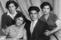 С сестрами, 1955 г.